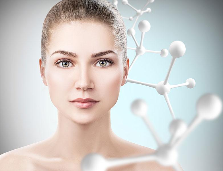 rostro de una chica que muestra rejuvenecimiento de la piel con ciencia Ageloc